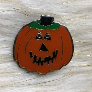 Jewelry - Vintage Halloween Pumpkin 🎃 Pin